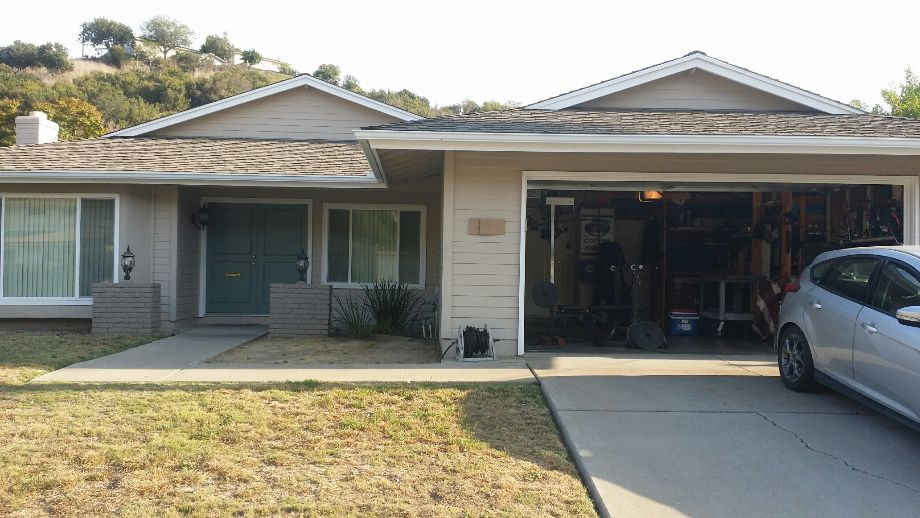 Roomate wanted split a 4 br house in allied Gardens